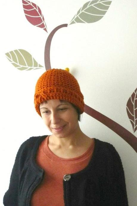 The lumberjack's beanie with a bow, in paprika