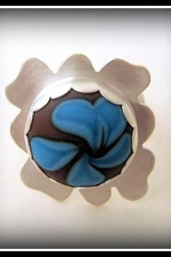 Ring - Sterling Cornflower Blue Chocolate Brown Glass Flower Size 7