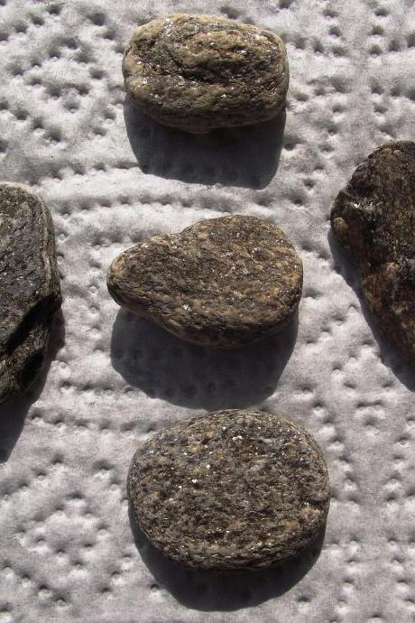 Grey beach rocks.5 Mediterranean beach pebbles from Spain by Oceangifts. Sparkly bits
