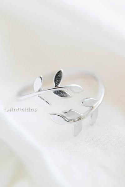 Gold or Silver Laurel Wreath Leaf Ring, Adjustable Couple Ring