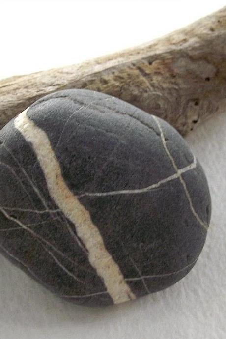 Natural stone pin. Sea pebble jewelry from Spain by Oceangifts