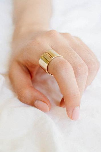 Gold or Silver Thick Band, Middle Size Open End RIng