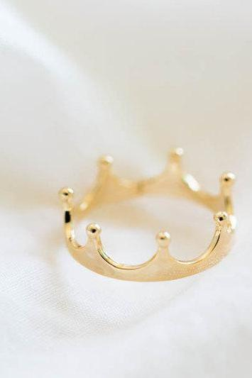 Gold crown ring,stackable rings,cute rings,stackable rings/women s rings,cool rings,funky rings,vintage style rings,stacking rings,knuckle rings,,R030N