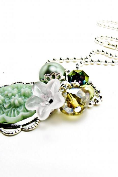 Mint Green Floral Resin Neckalce- Floral Jewelry-Green Jewelry- Green Necklace- Pearl Jewelry- Crystal Jewelry- Summer Jewelry- Shabby Chic