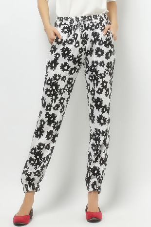 Spring, summer, the new women's printed spun rayon haroun pants draw string and feet