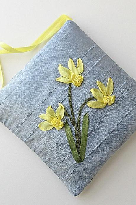 Daffodils Lavender Sachet embroidered silk ribbon