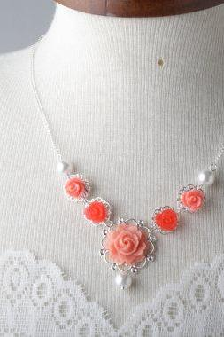 Coral vintage style flower necklace, bridesmaid necklace, pearl and flower necklace, coral wedding jewelry - garden wedding - bride necklace