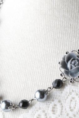 vintage style flower necklace - shabby chic - pearl and flower necklace - black neckalce - flower necklace - romantic - black and gray