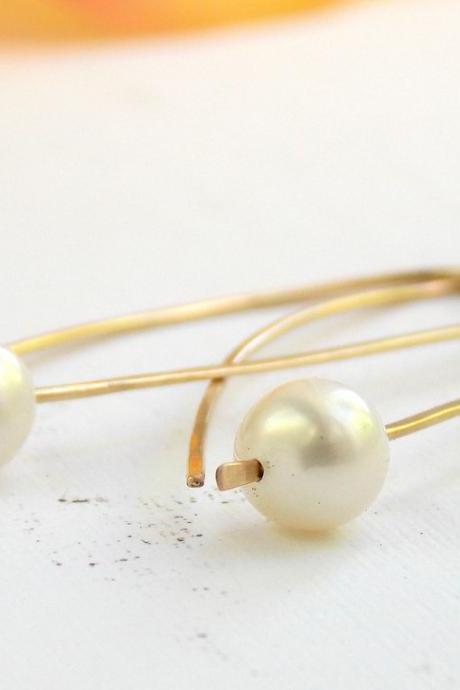 Golden Pearl Earrings - modern simple earrings, minimalist, contemporary earrings, pearl earrings, elegant earrings, wedding jewerly