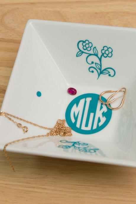 Monogrammed Jewelry Plate with Circle Block Monogram and Flowers - Accessories Storage with Color Monogram Decal bridesmaid gifts, Shower