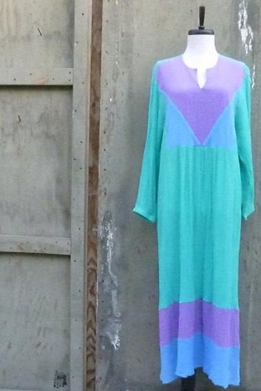 1970s Leisure Gown Maxi Dress