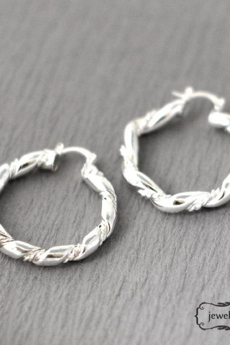 -FREE SHIP- Silver twist the ropes earrings