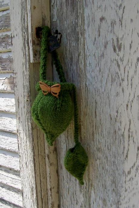 Leaf Wristlet with Accessory Pouch Instant Download PDF Knitting Pattern