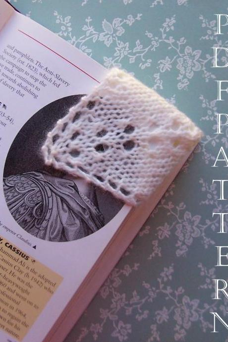 Knitting Patterng Corner Bookmark 2 Variations Instant Download