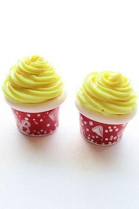 Walt Disney World Dole Whip Scented Polymer Clay Miniature American Girl Dollhouse Food or Charm