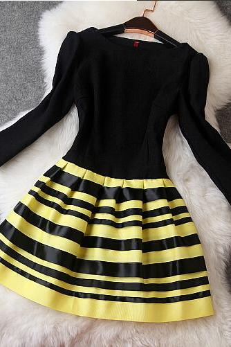 Fashionable stripe dress MG818EH