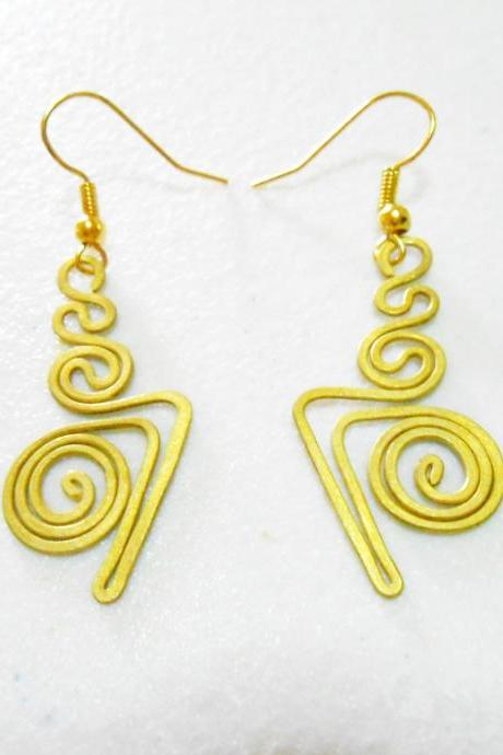 Brass Dangle Earrings, Swirl Brass Earrings, Fashion Designs, Handmade Earrings, Brass Jewelry, Thailand Handmade. (JE1003)