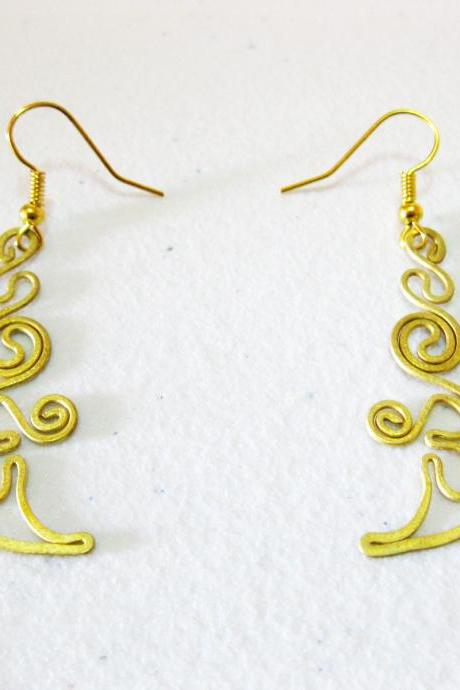 Brass Dangle Earrings, Swirl Brass Earrings, Fashion Designs, Handmade Earrings, Brass Jewelry, Thailand Handmade. (JE1006)