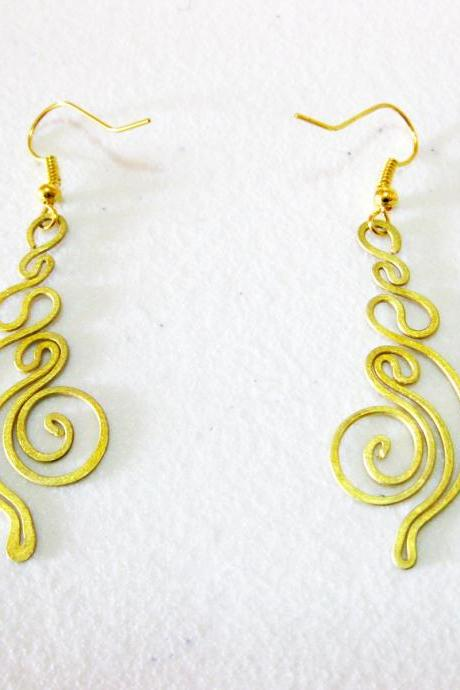 Brass Dangle Earrings, Swirl Brass Earrings, Fashion Designs, Handmade Earrings, Brass Jewelry, Thailand Handmade. (JE1007)