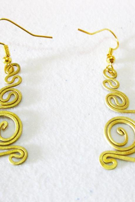 Brass Dangle Earrings, Swirl Brass Earrings, Fashion Designs, Handmade Earrings, Brass Jewelry, Thailand Handmade. (JE1008)
