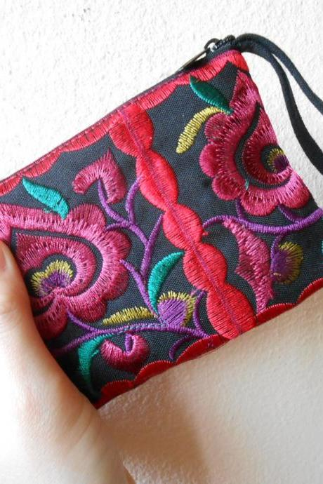 Red Black Cotton Flower Colorful purse Embroidery Chinese Hmong Hilltribe Thailand. (KP1051-REBK)