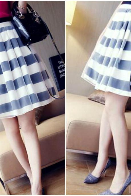 Black and White Stripes Organza Pleated Skirt