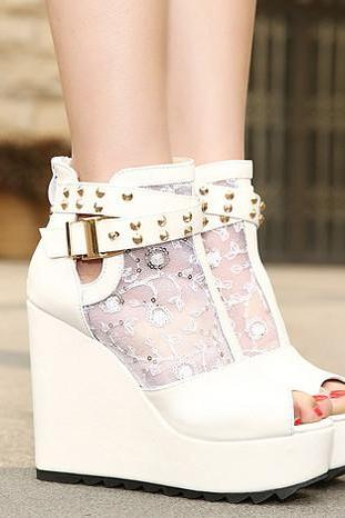Lace Rivets Peep Toe Wedge Sandals in Black and White