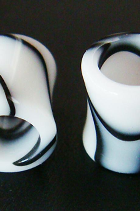 One Pair 8mm 0g UV Marble Double Flare Hole Ear Plugs Rings Tunnels Tunnel 0 Gauge Body Piercing