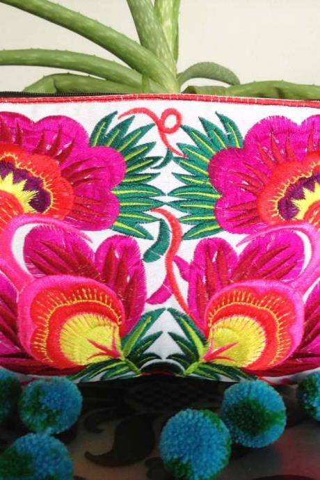 Colorful Pink cotton embroidered purse on White Fabric of Chinese Hmong Hilltribe Thailand. (KP1052-PIWH)