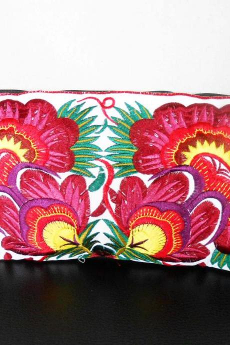 Colorful Red cotton embroidered purse on White Fabric of Chinese Hmong Hilltribe Thailand. (KP1052-REWH)