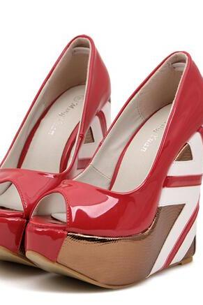 Peep-Toe Union Jack Wedge Pumps Made From Glossy Patent