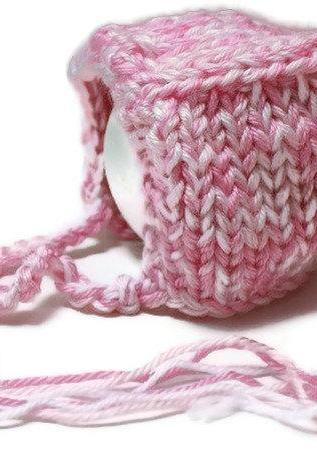 Hand knit baby bonnet - Baby girl bonnet in pink and white - Size newborn - Ready to ship