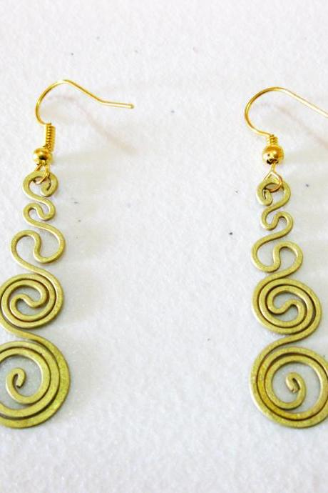 Brass Dangle Earrings, Swirl Brass Earrings, Fashion Designs, Handmade Earrings, Brass Jewelry, Thailand Handmade. (JE1011)