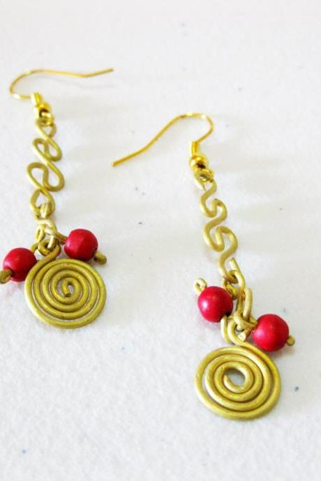 Swirl Brass Earrings, Brass Dangle Earrings with beaded Stone, Fashion Designs, Thailand Handmade Jewelry. (JE1013-RE)