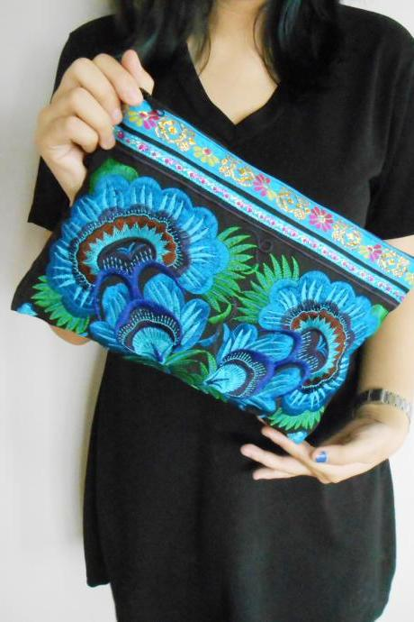 Blue Embroidery Clutch Wristlet Bag Black Fabric of Chinese Hmong Hill tribe Thailand (KP1053-BLBK)