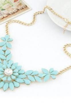 Cheap Fashion Gems Decorated Flower Shaped Blue Metal Necklace