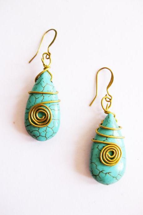 Turquoise Stone Dangle Earring 'Dew Drop' Brass Wire Wrap, Thailand Handmade Jewelry. (JE1018-TU)