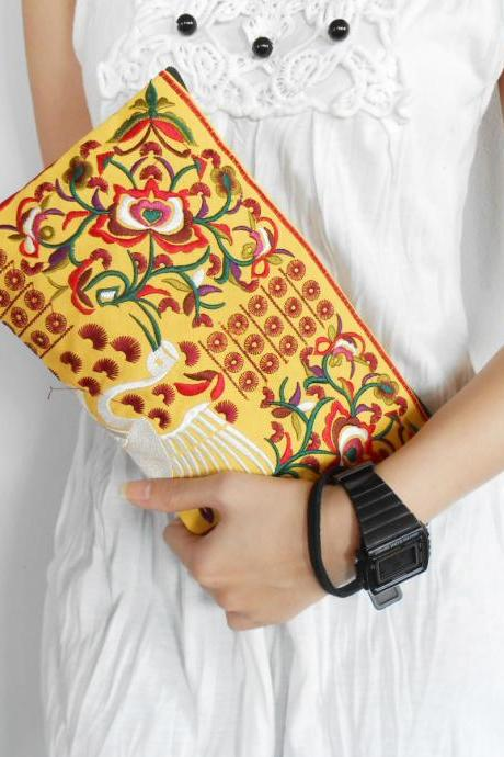 Red Flamingo embroidered Clutch Bag, w/ Yellow Fabric Chinese Hmong Hilltribe Handmade in Thailand. (KP1056-REYE)