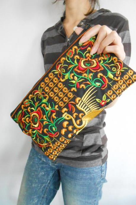 Yellow Flamingo embroidered Clutch Bag, w/ Black Fabric Chinese Hmong Hilltribe Handmade in Thailand. (KP1056-GOBK)