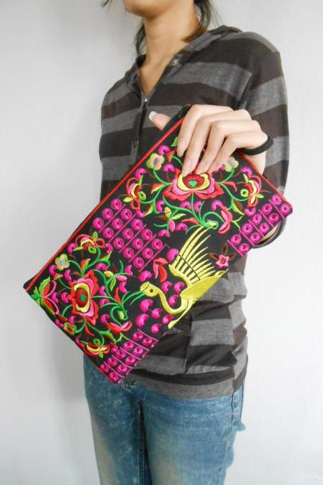 Pink Flamingo embroidered Clutch Bag, w/ Black Fabric Chinese Hmong Hilltribe Handmade in Thailand. (KP1056-PIBK)