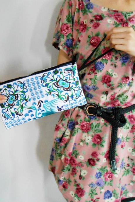 Blue Flamingo embroidered Clutch Bag, w/ White Fabric Chinese Hmong Hilltribe Handmade in Thailand. (KP1056-BLWH)