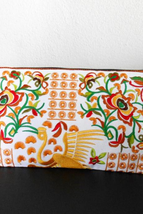 Yellow Flamingo embroidered Clutch Bag, w/ White Fabric Chinese Hmong Hilltribe Handmade in Thailand. (KP1056-GOWH)