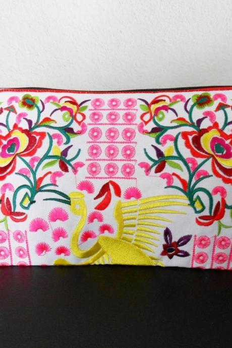Pink Flamingo embroidered Clutch Bag, w/ White Fabric Chinese Hmong Hilltribe Handmade in Thailand. (KP1056-PIWH)
