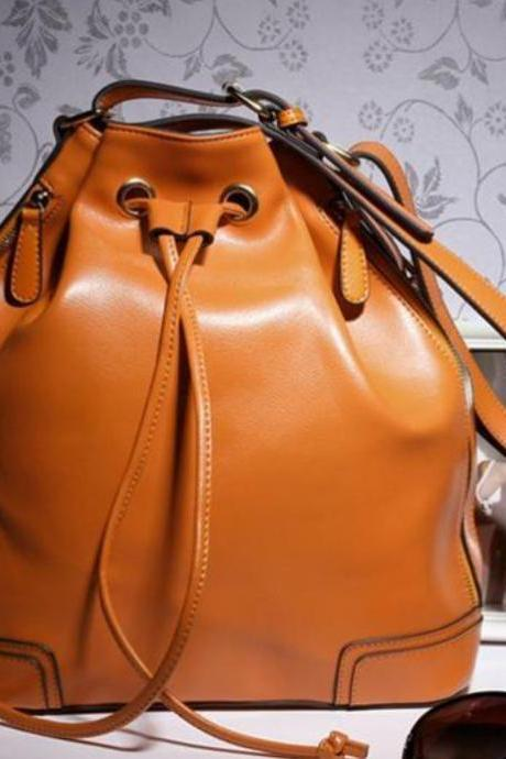 Genuine Leather Bucket Bag Vintage Fashion Shoulder Bags with Tassels