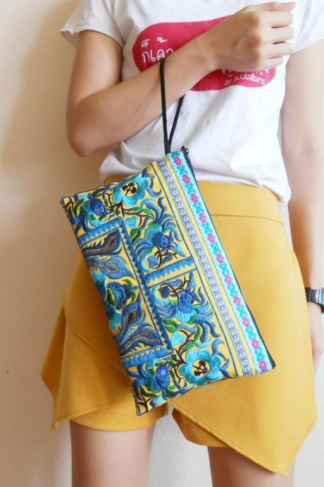 Blue Clutch Wristlet Bag Embroidery w/ Yellow Fabric Chinese Hmong Hilltribe Thailand (KP1057-BLYE)