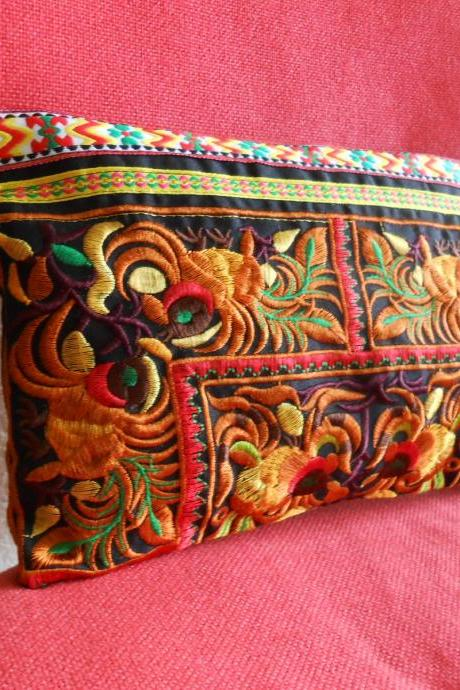 Gold Clutch Wristlet Bag Embroidery w/ Black Fabric Chinese Hmong Hilltribe Thailand (KP1057-GOBK)