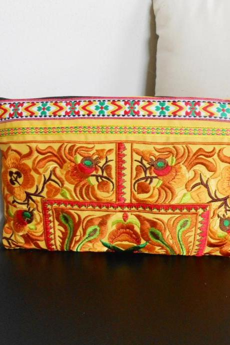 Gold Clutch Wristlet Bag Embroidery w/ Yellow Fabric Chinese Hmong Hilltribe Thailand (KP1057-GOYE)