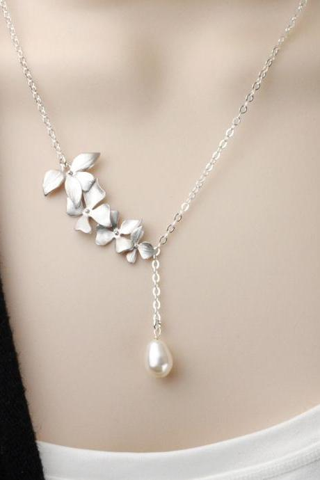 Pearl Bridesmaid Necklace - White Pearl Necklace - Swarovski Pearl Wedding Jewelry - Silver Flower Necklace - Bridesmaid Jewelry