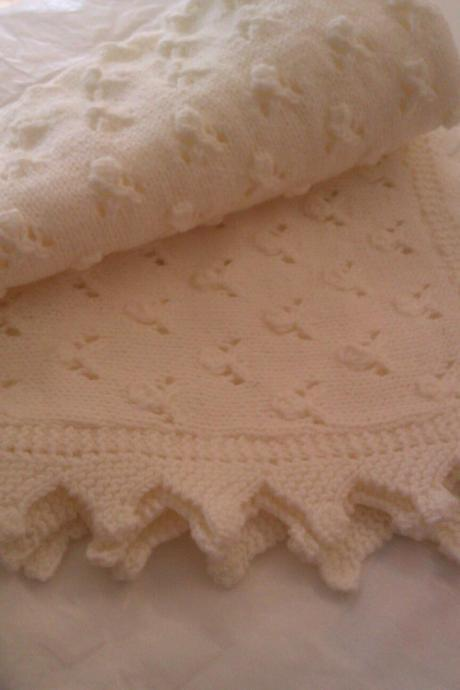 Baby shawl blanket cream 4ply