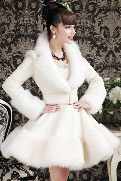 Elegant White Faux Fur Fashion Coat